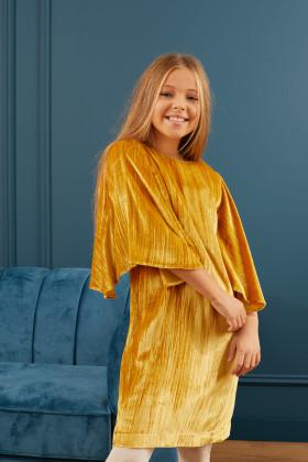 Платье бархатное с рукавом «крылышко»