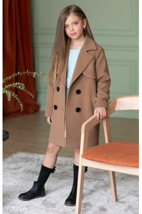Пальто с кокеткой бежевое